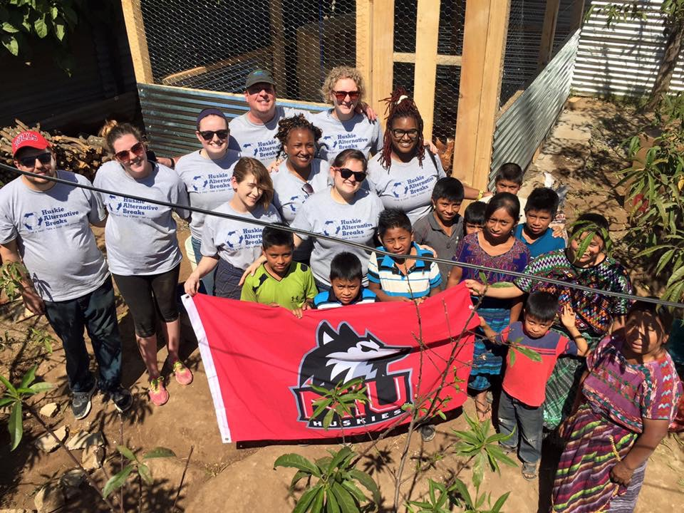 TJ Schoonover, Jessica Bedrich, Mary Kate Olofson, Rachael Boyd, Dr. Scott Wickman, Mary Stamps, Victoria Taylor, Lucero Martinez, Erin Scott and neighborhood children
