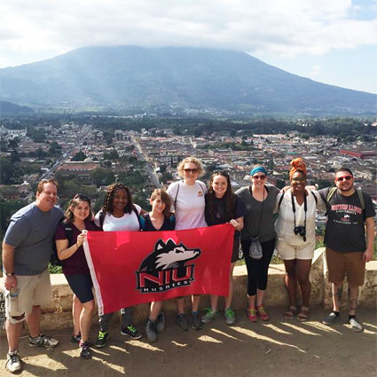 NIU's January 2016 contingent of volunteers in Guatemala.