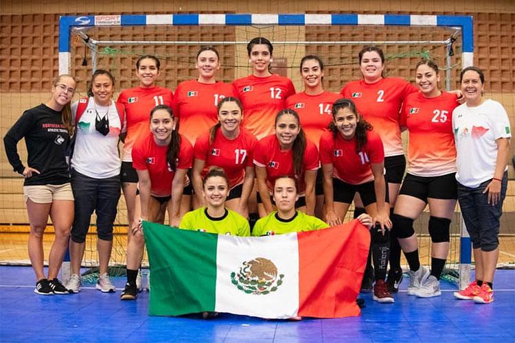 Catrina Sanfilippo and the team from Mexico.